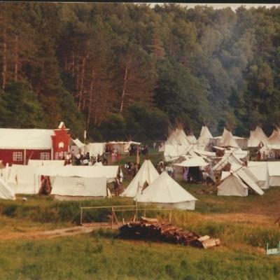 1985 03